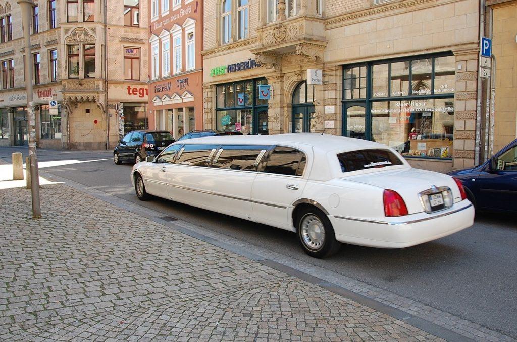 Limousine huren voor je verjaardag?